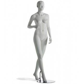 Maniqui esculpido señora...