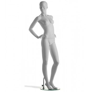 Mannequin stylized woman...