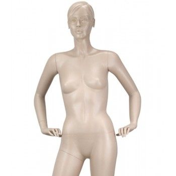 Mannequin stylized woman y637