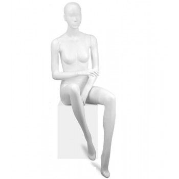 Mannequin seated woman y641-03