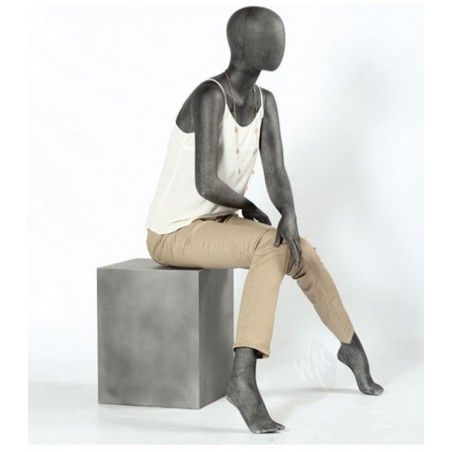 display-mannequin-seated-female
