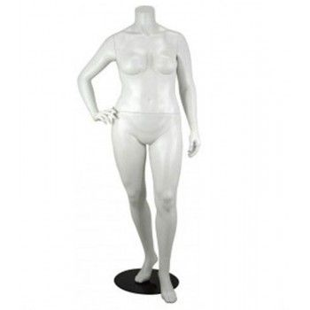 Mannequin woman plus size...