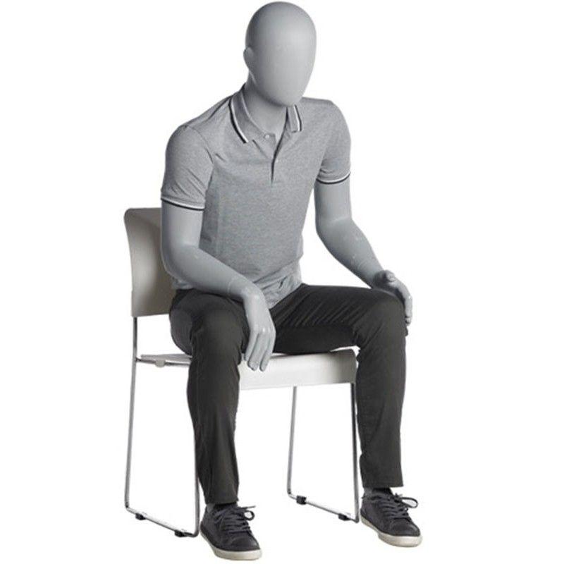 Maniquies caballero sentado