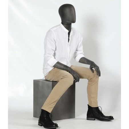 mannequin-homme-assis
